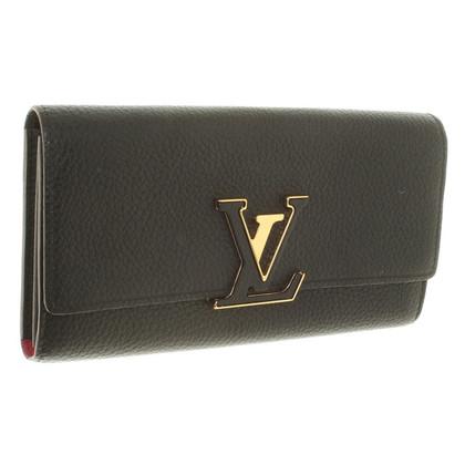 Louis Vuitton Wallet in black