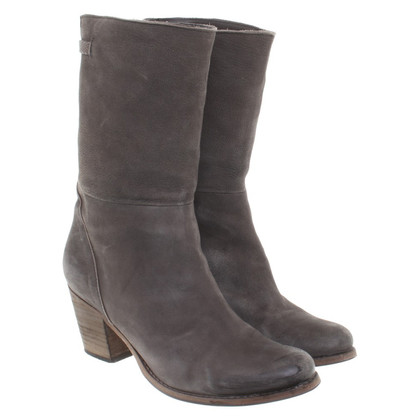 Humanoid Boots in Gray