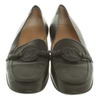 Chanel pantoufles en cuir en noir