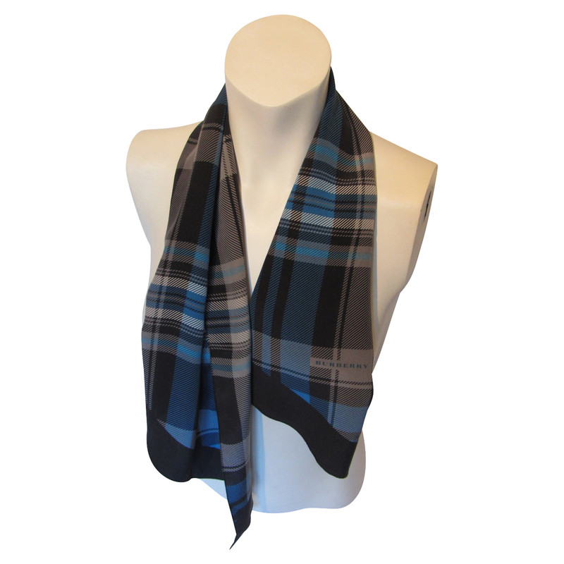 burberry scarf outlet 42k6  burberry scarf in silk burberry scarf in silk