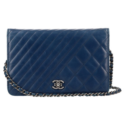 """Chanel """"Coco Boy Wallet On Chain"""""""