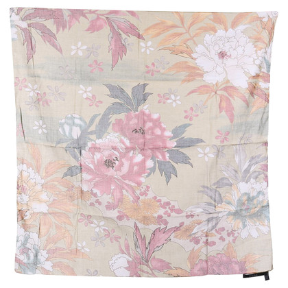 Gucci Cloth with flower pattern