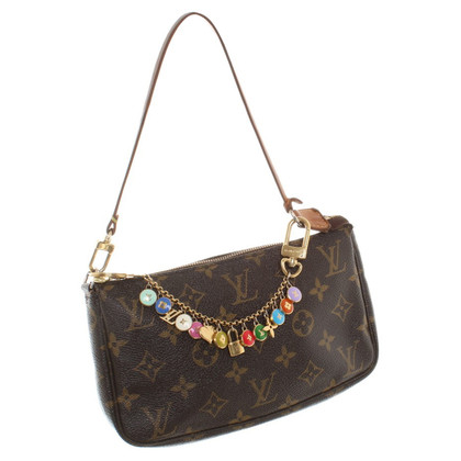 Louis Vuitton Pochette with trailers