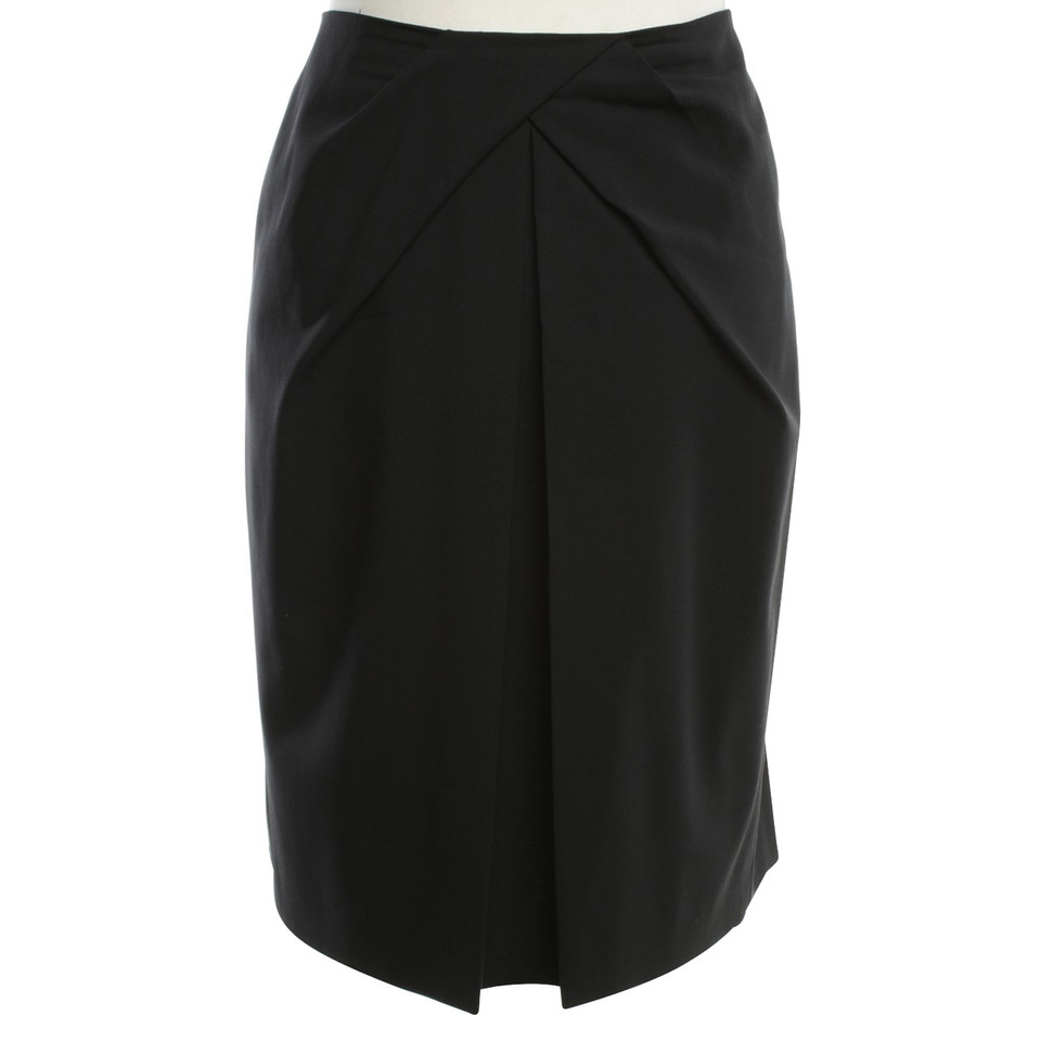 Hugo Boss Issued skirt in black