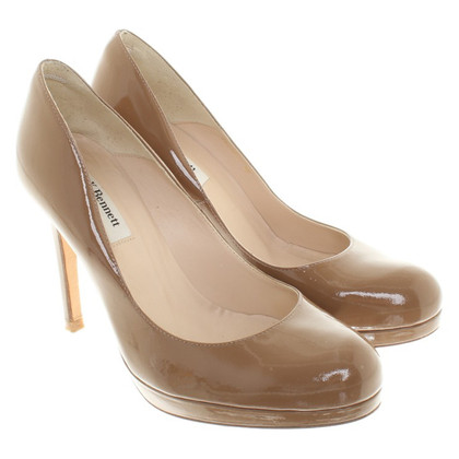 L.K. Bennett Lackleder-pumps in light brown