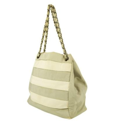 Chanel Shoulder bag in grey/white