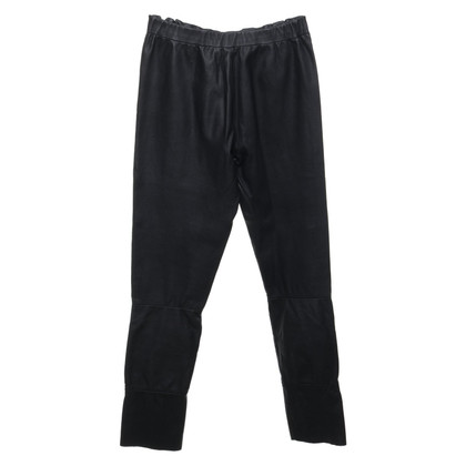 Arma trousers made of leather