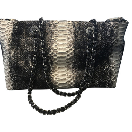 Chanel Shopper made of python leather