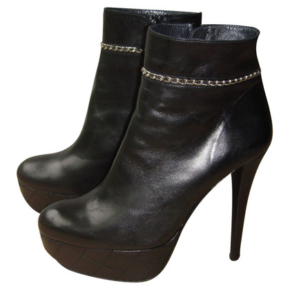 Stuart Weitzman Ankle boots with chain detail