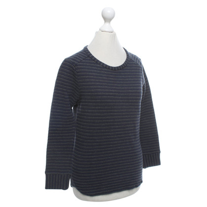 Humanoid top with stripe pattern