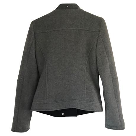 edd2a2830ba2 Besuchen Zu Verkaufen Billig Beste Preise Armani Jeans Jacke Grau Spielraum  Sehr Billig 25tBHC0bp ...
