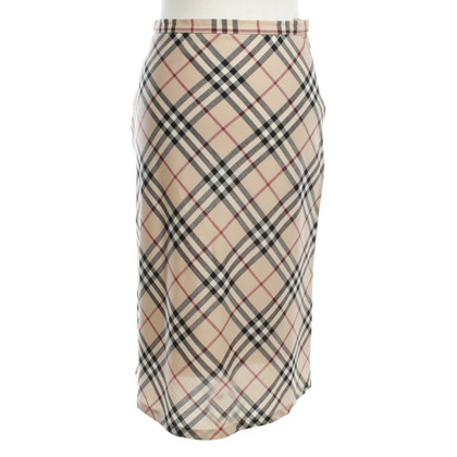 Burberry skirt with plaid pattern