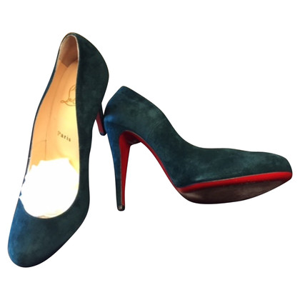 Christian Louboutin pumps in camoscio
