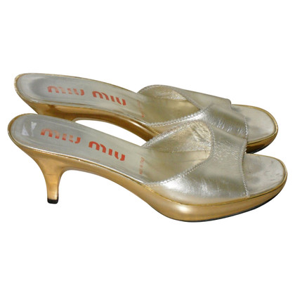 Miu Miu Sandaletten in Gold