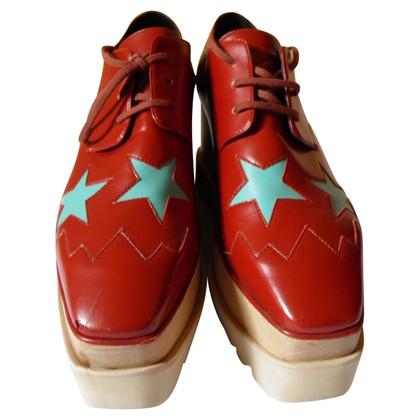 Stella McCartney Chaussures à lacets avec semelle plateforme