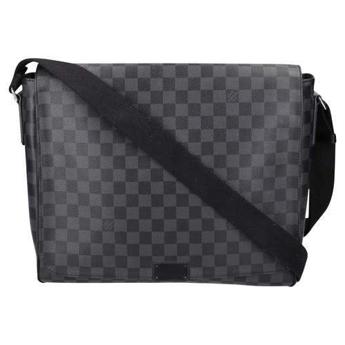 22a46a7df557c Louis Vuitton Shoulder bag in Grey - Second Hand Louis Vuitton ...
