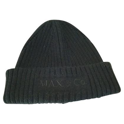 Max & Co Cap in black