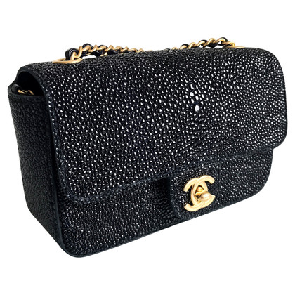 "Chanel ""Classic Flap Bag Extra Mini"" aus Rochenleder"