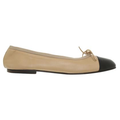 Chanel Ballerinas in beige / black