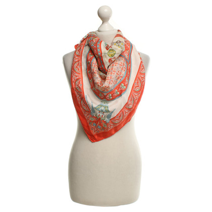 Hermès Silk scarf in reds