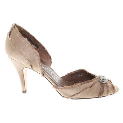 Pedro Garcia pumps in Taupe