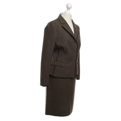 Prada Costume a Brown