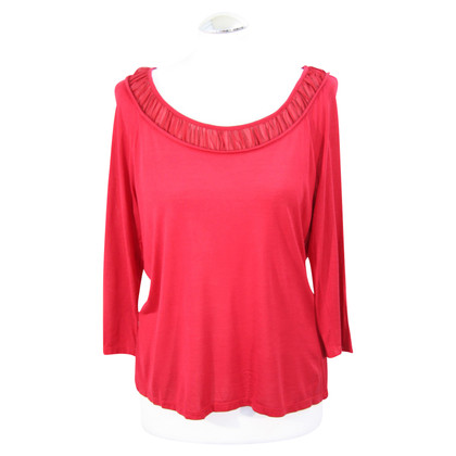 Hobbs top in red