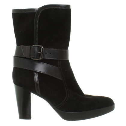 Tod's Leather ankle boots in black
