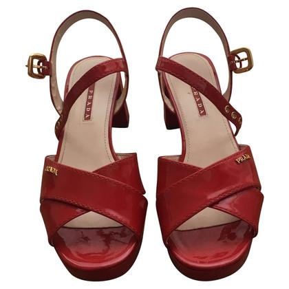 Prada Lackleder-Sandaletten