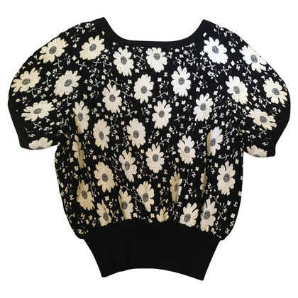 Chanel Sweater with short sleeves