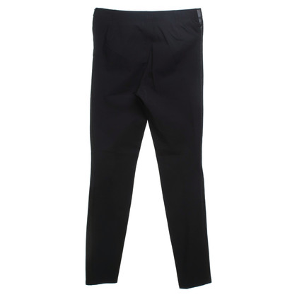 Riani Schwarze Hose in Reptil-Optik