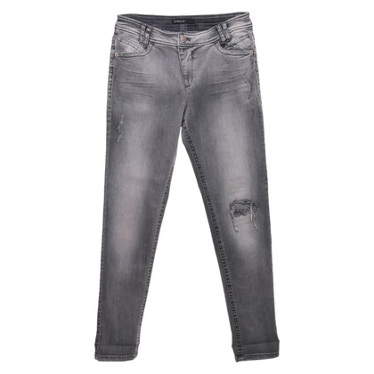 Marc Cain Jeans in destroyed look