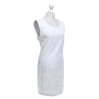 Set Dress in White