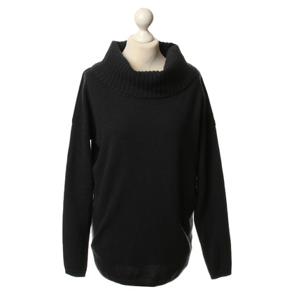 FTC Cashmere sweater in dark grey