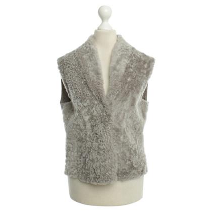 Fabiana Filippi Gilet di pelliccia di agnello in grigio