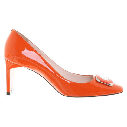 Bally pumps made of lacquered leather