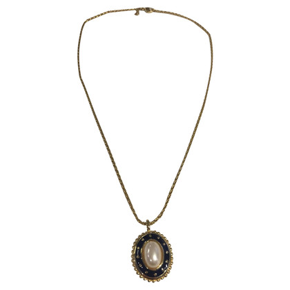 Burberry Vintage necklace with medallion