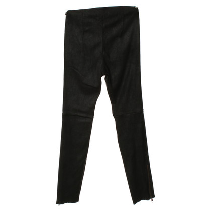 Closed Leather pants with zipper elements