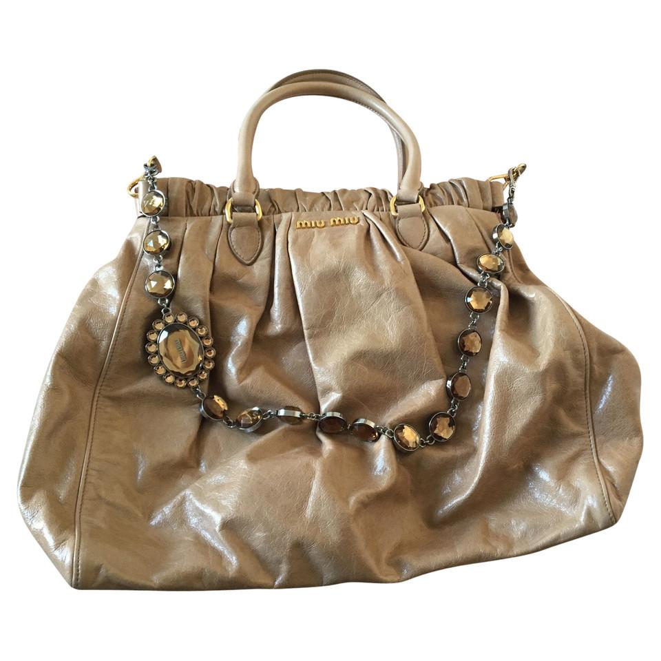 miu miu handtasche second hand miu miu handtasche gebraucht kaufen f r 649 00 691053. Black Bedroom Furniture Sets. Home Design Ideas
