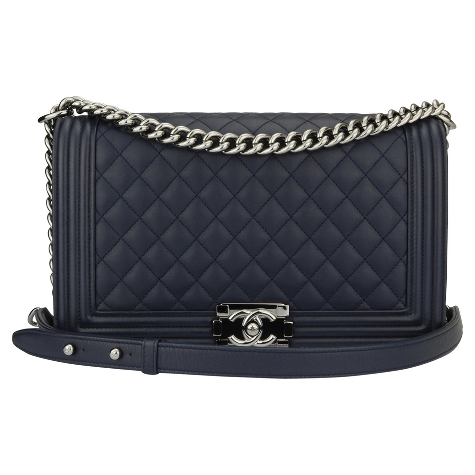"Chanel ""Boy Bag New Medium"""