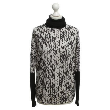 Karen Millen Turtleneck sweater with knit print
