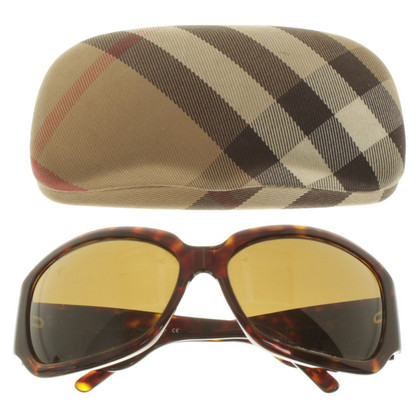 Burberry Sunglasses with tortoiseshell pattern