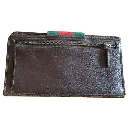 Gucci Portemonnaie mit Zierschnalle