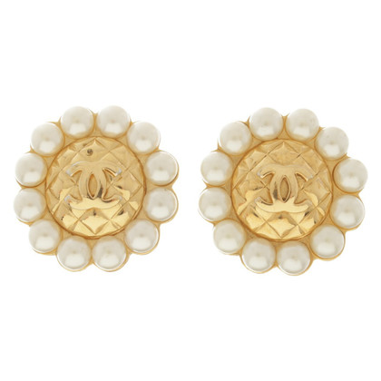 Chanel Boucles d'oreilles avec des perles