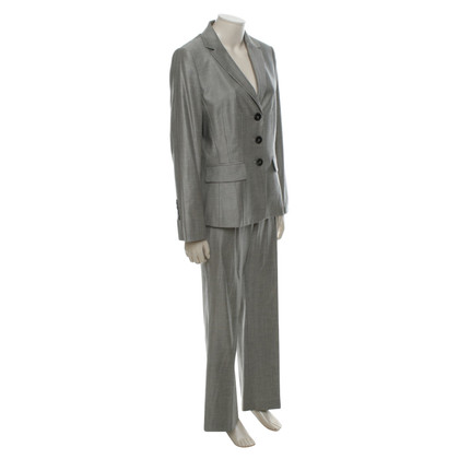 Laurèl Suit in Gray