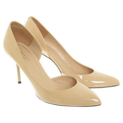 Gucci pumps in beige