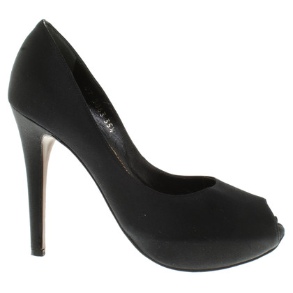 Walter Steiger Peeptoes in black