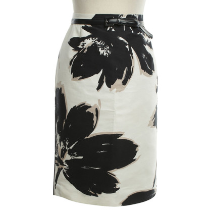 Max Mara Pencil skirt with a floral pattern