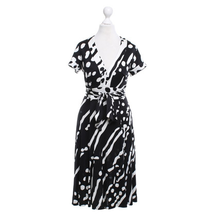Issa Silk dress with graphic print