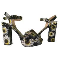 Moschino Cheap and Chic Sandaletten mit Blumenmuster